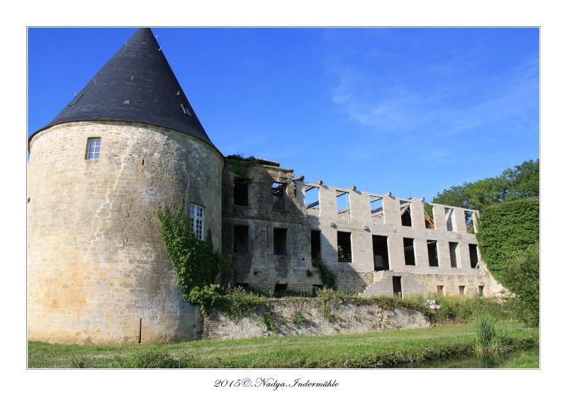 Charbogne, et son château (Ferme fortifiée de Charbogne) Cadre162