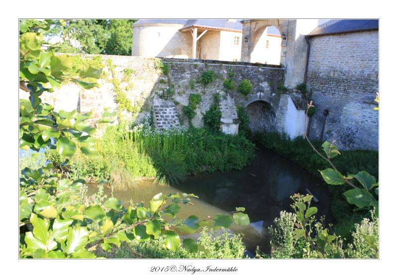Charbogne, et son château (Ferme fortifiée de Charbogne) - Page 2 Cadrer45