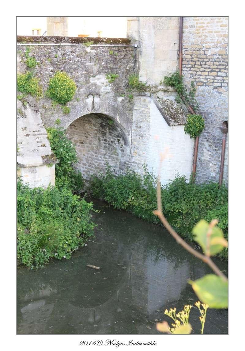 Charbogne, et son château (Ferme fortifiée de Charbogne) - Page 2 Cadrer46
