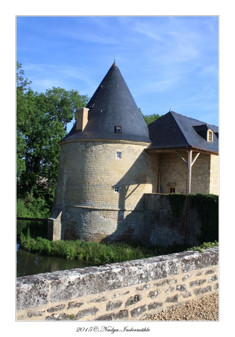 Charbogne, et son château (Ferme fortifiée de Charbogne) - Page 2 Cadrer47