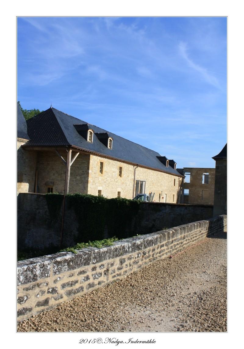 Charbogne, et son château (Ferme fortifiée de Charbogne) - Page 2 Cadrer48