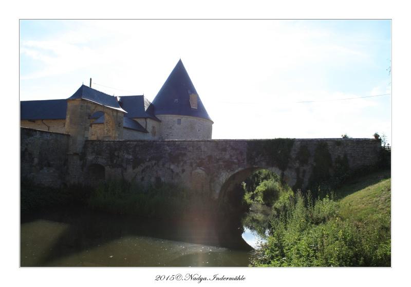 Charbogne, et son château (Ferme fortifiée de Charbogne) - Page 2 Cadrer55