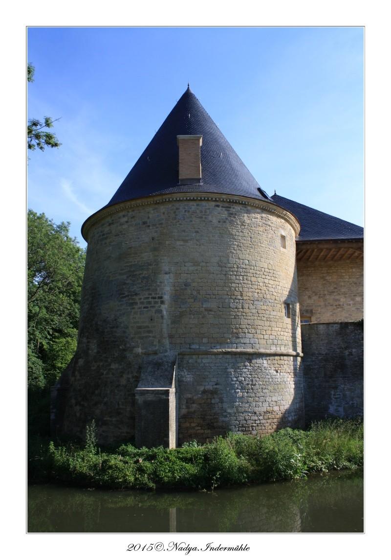 Charbogne, et son château (Ferme fortifiée de Charbogne) - Page 2 Cadrer57