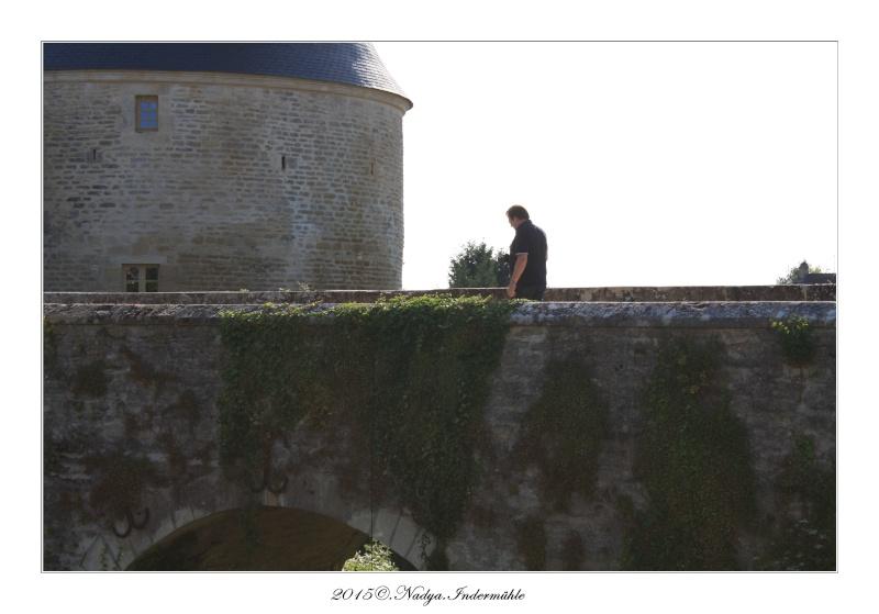 Charbogne, et son château (Ferme fortifiée de Charbogne) - Page 2 Cadrer60