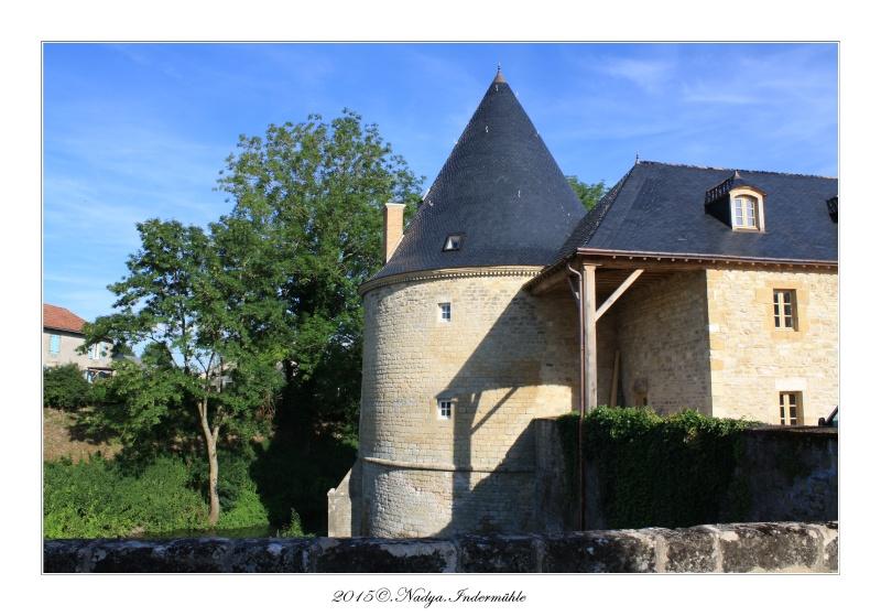 Charbogne, et son château (Ferme fortifiée de Charbogne) - Page 2 Cadrer63