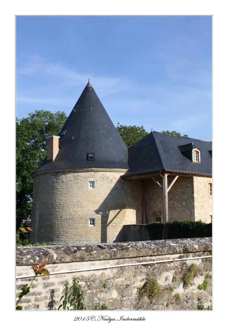 Charbogne, et son château (Ferme fortifiée de Charbogne) Cadrer87
