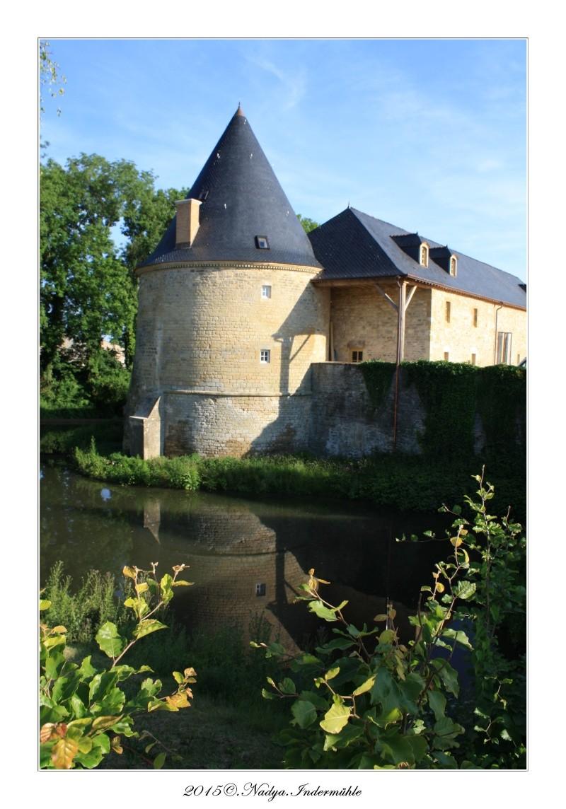 Charbogne, et son château (Ferme fortifiée de Charbogne) Cadrer89