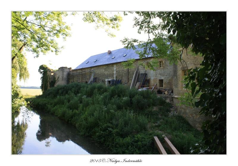 Charbogne, et son château (Ferme fortifiée de Charbogne) Cadrer90