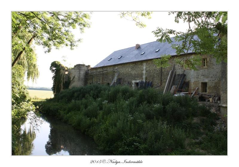 Charbogne, et son château (Ferme fortifiée de Charbogne) Cadrer92