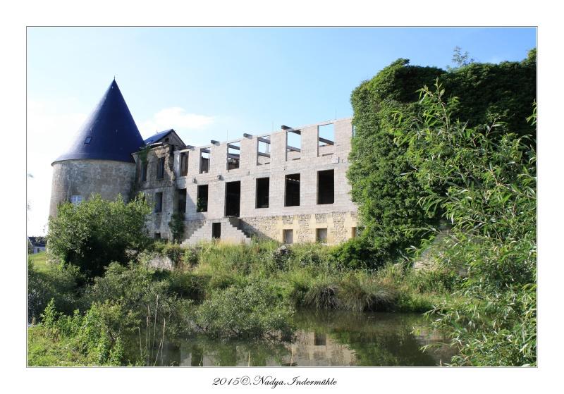 Charbogne, et son château (Ferme fortifiée de Charbogne) Cadrer94