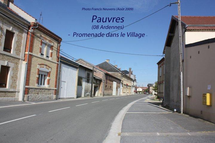 Pauvres, promenade dans le village, par Francis Neuvens Pauvre27