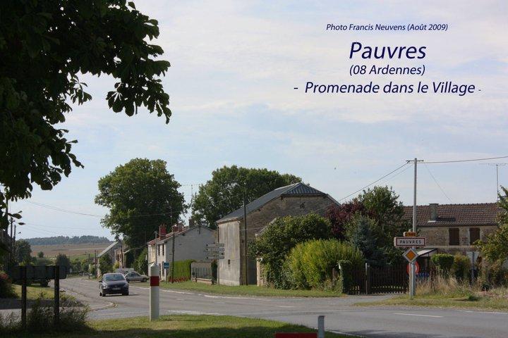 Pauvres, promenade dans le village, par Francis Neuvens Pauvre29