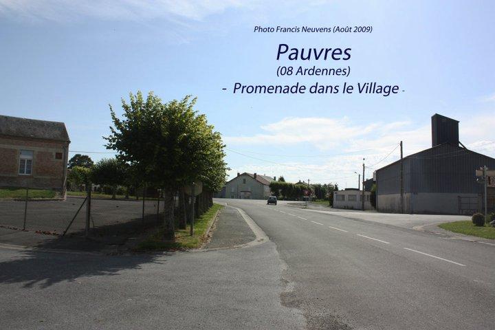 Pauvres, promenade dans le village, par Francis Neuvens Pauvre34