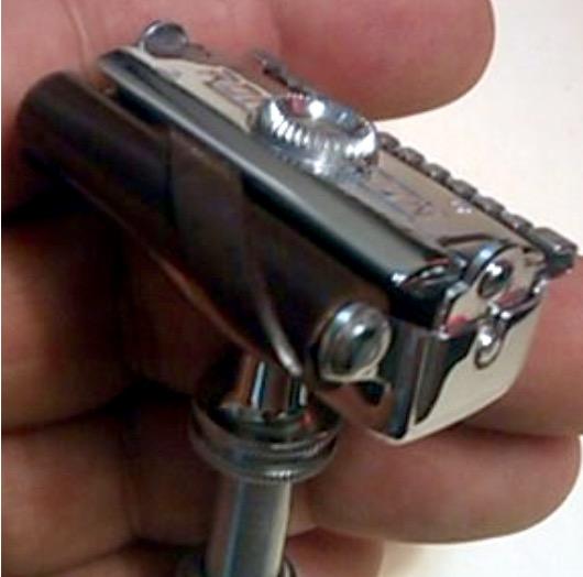 Ronson - 1949 - USA -  Un rasoir au Concept Original.... Performant ! Image19