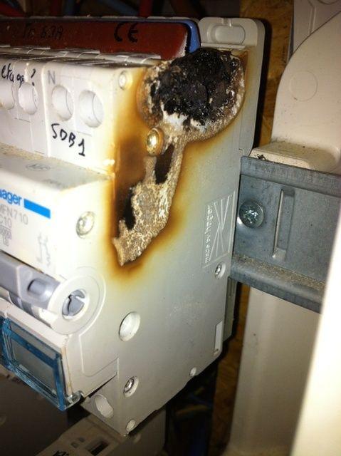 Début d'incendie au raccordement de la Wallbox Img_2113
