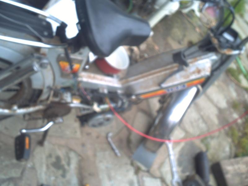 allumage a rupteur ou bas-moteur?  103V de 1983 Pict0411