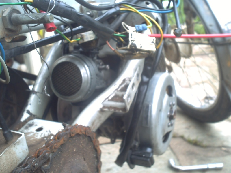 allumage a rupteur ou bas-moteur?  103V de 1983 Pict0414