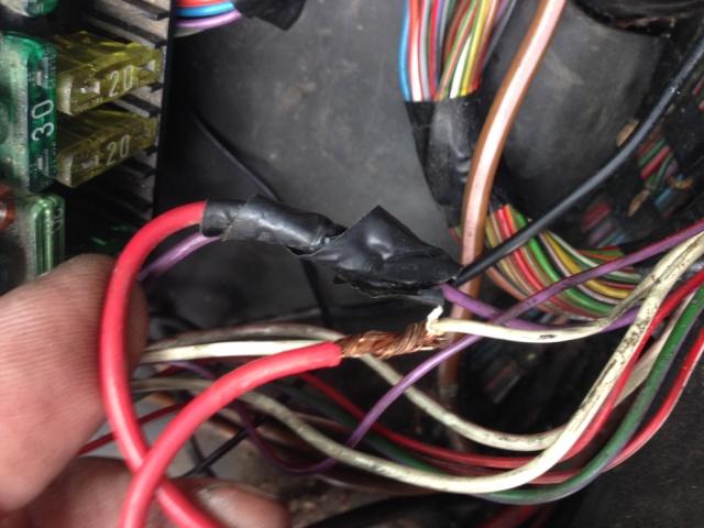 Recherche de panne dysfonctionnements électrique - Page 2 Photo211