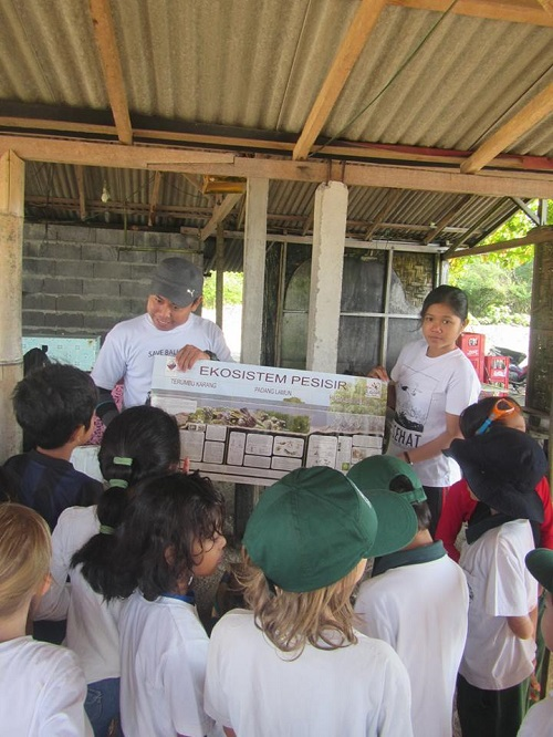 About activities in Yayasan LINI A_1210