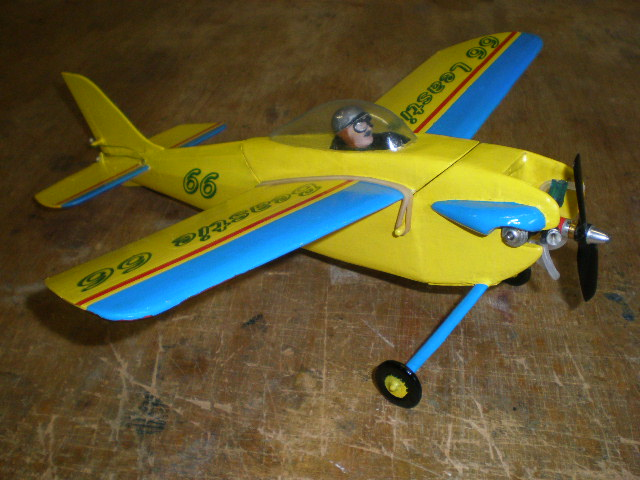 .010 size airplanes ? - Page 2 P9120116