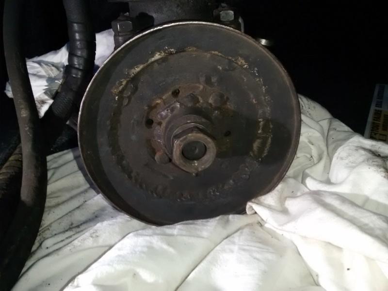 Raccord banjo, poulie de pompe hydraulique et autres bricoles... 411 Img_2011