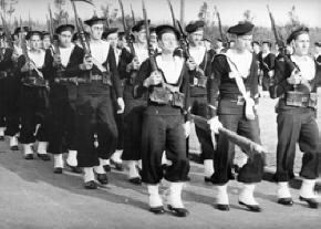 Défilé de Marins Libres en Ecosse - source ECPA Defile11