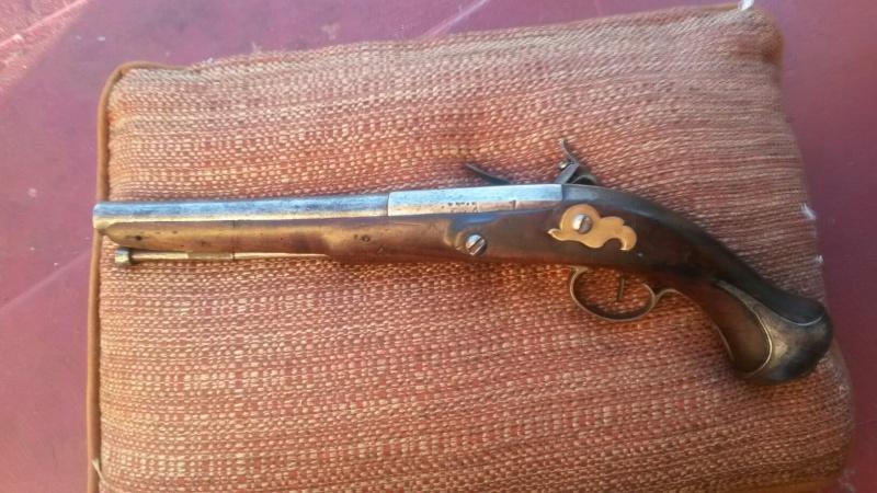 Platine silex 17 siècle (cran de sûreté et cran d'armement) - Page 2 Pistol11