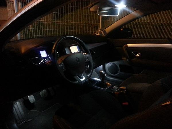 [Dan57] Laguna III.1 coupé black édition 2.0 dci 150 Lagfl_18