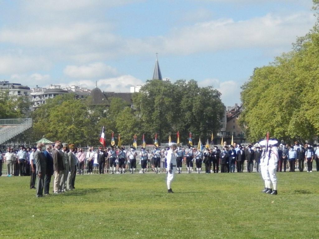 [ Histoire et histoires ] Céremonie et défilé au 27° BCA Annecy 04511