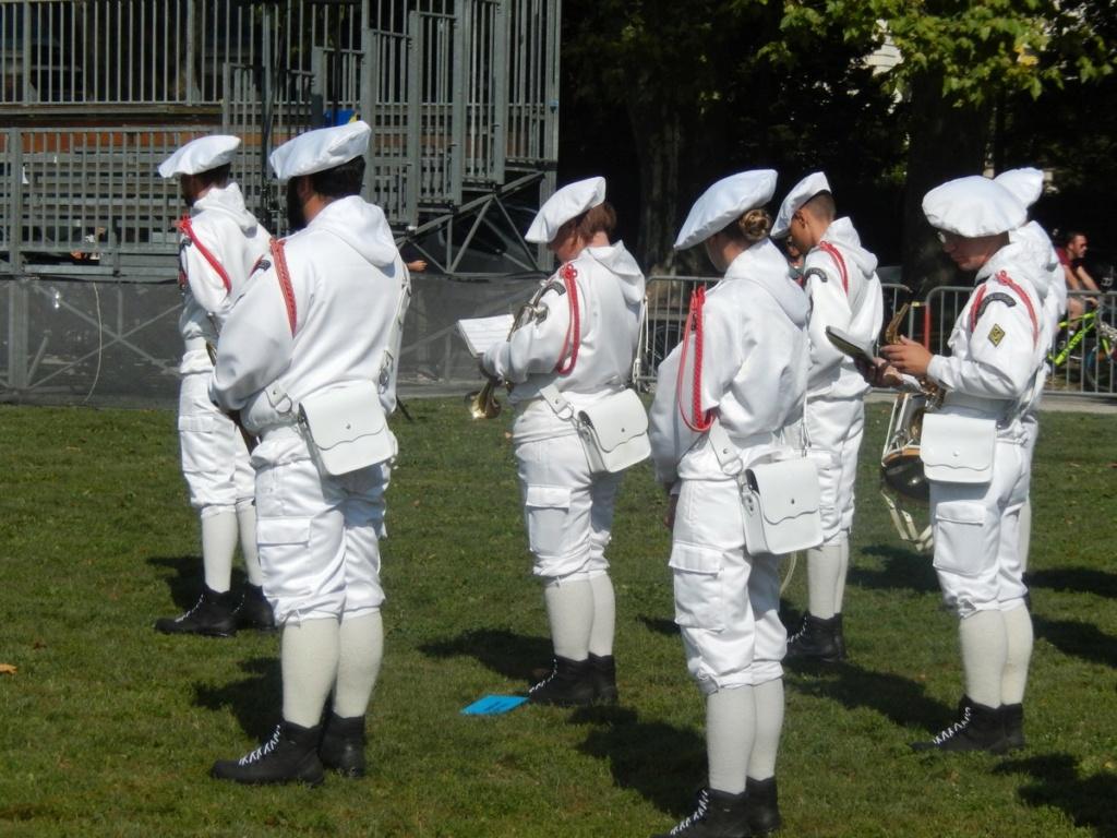 [ Histoire et histoires ] Céremonie et défilé au 27° BCA Annecy 07211