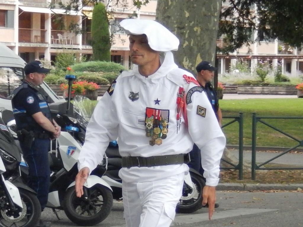 [ Histoire et histoires ] Céremonie et défilé au 27° BCA Annecy 12311