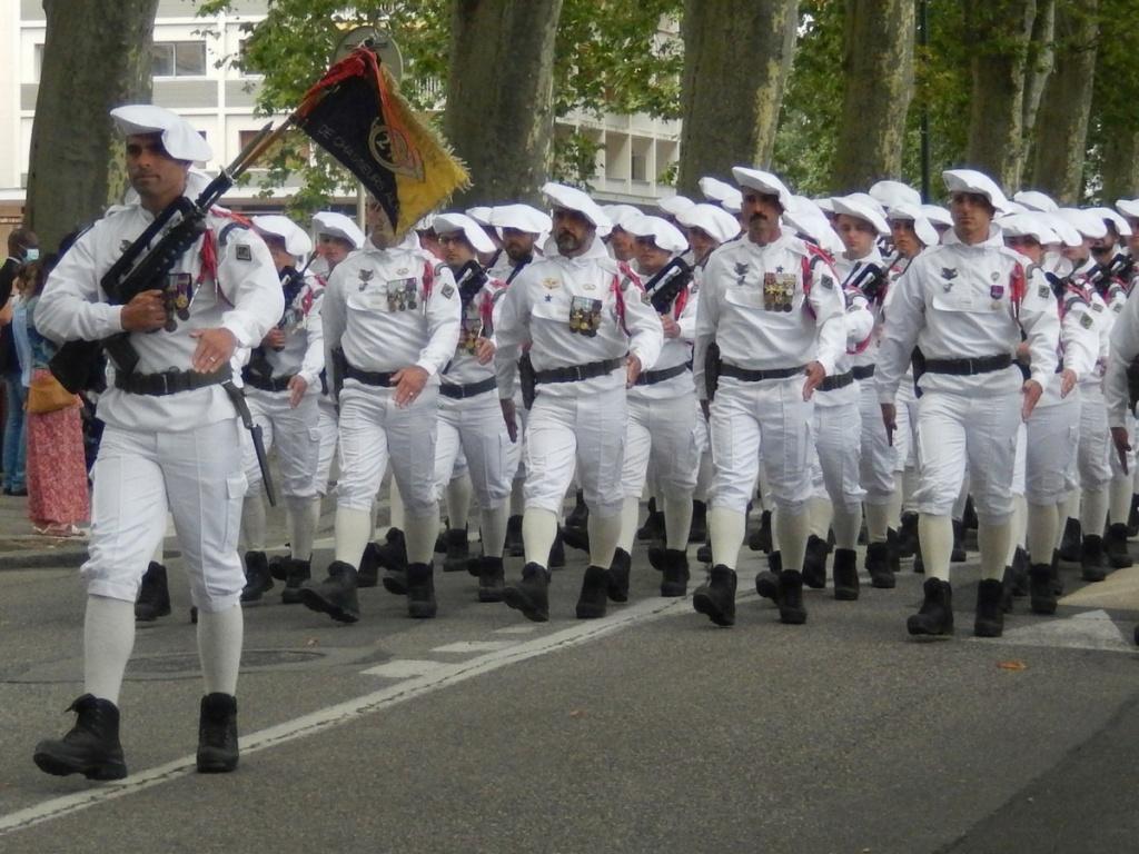 [ Histoire et histoires ] Céremonie et défilé au 27° BCA Annecy 13211