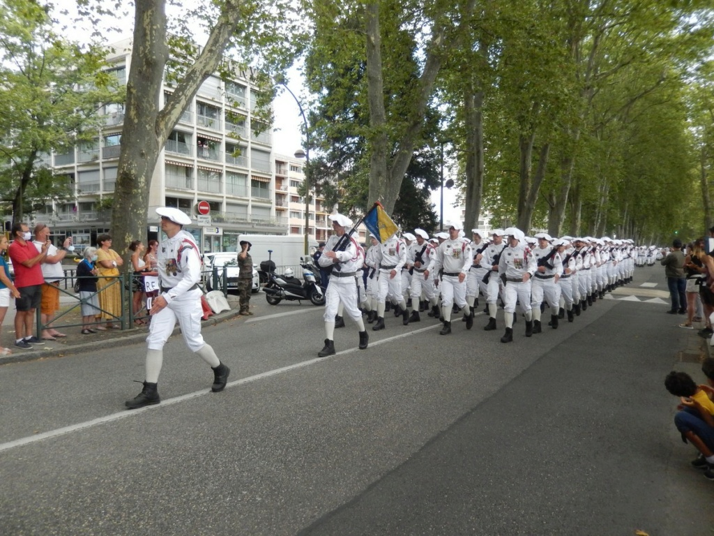 [ Histoire et histoires ] Céremonie et défilé au 27° BCA Annecy 15012
