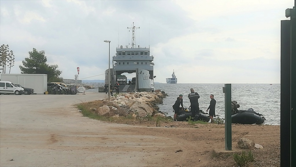 [Les ports militaires de métropole] Port de Toulon - TOME 1 - Page 6 Img_2030