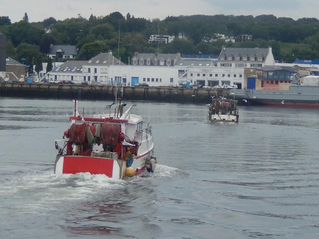 [VIE DES PORTS] Quelques bateaux de pêche (sur nos côtes Françaises) Rscn4912
