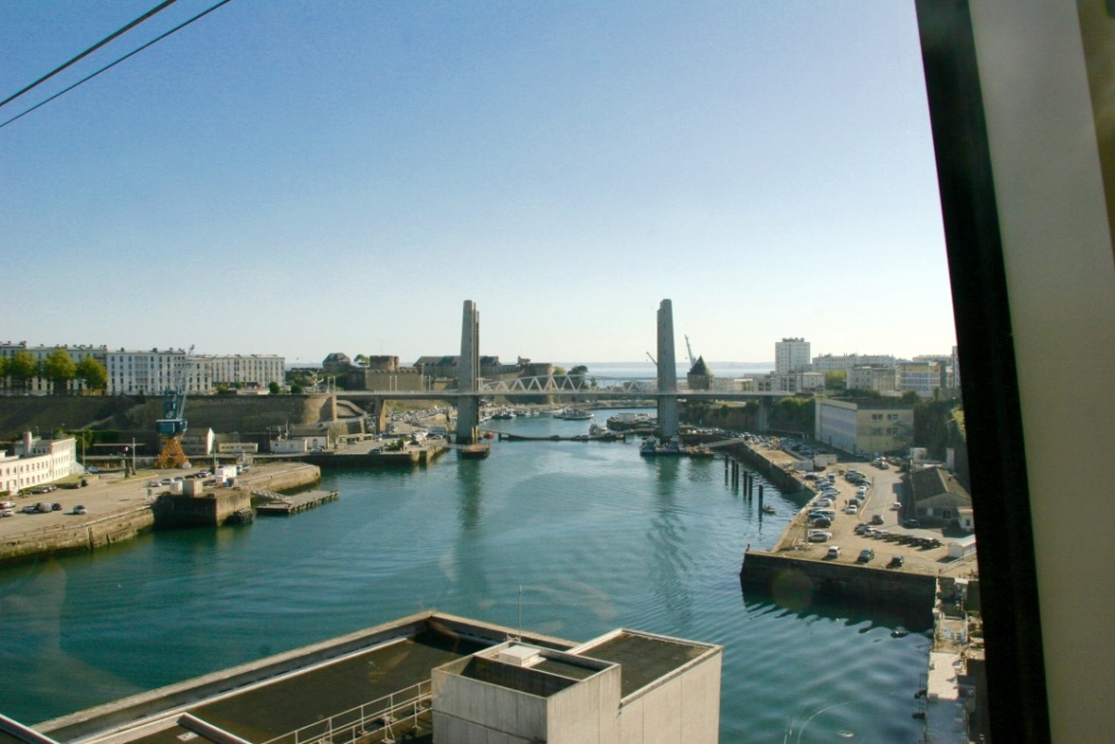 Brest, que  la rue Saint Malo et une virée en télépherique Telef210