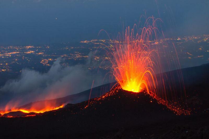 Na današnji dan - Page 4 Etna-i10