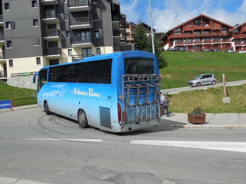 Autocars Blanc Dscn3110