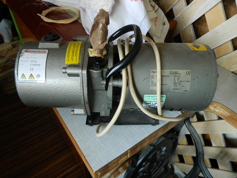 Vakumska pumpa za stabilizaciju drveta Dscn2110