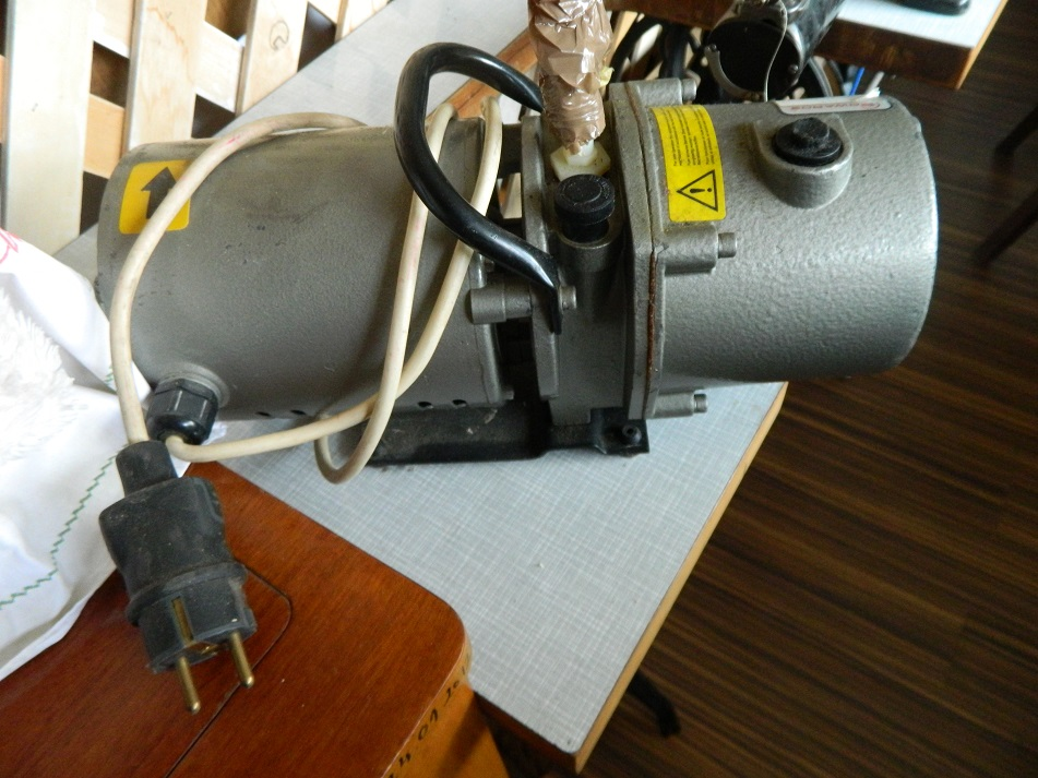 Vakumska pumpa za stabilizaciju drveta Dscn2111
