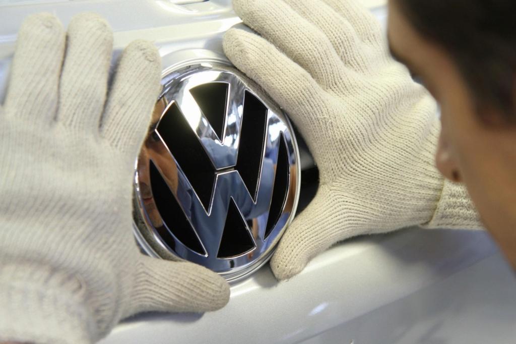Volkswagen mostrará novo logotipo em setembro 01_vol10