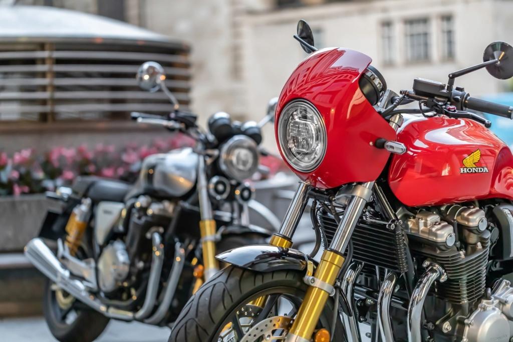 Honda lança edição limitada de 'moto dos anos 80' ao preço de R$ 80 mil 18915710