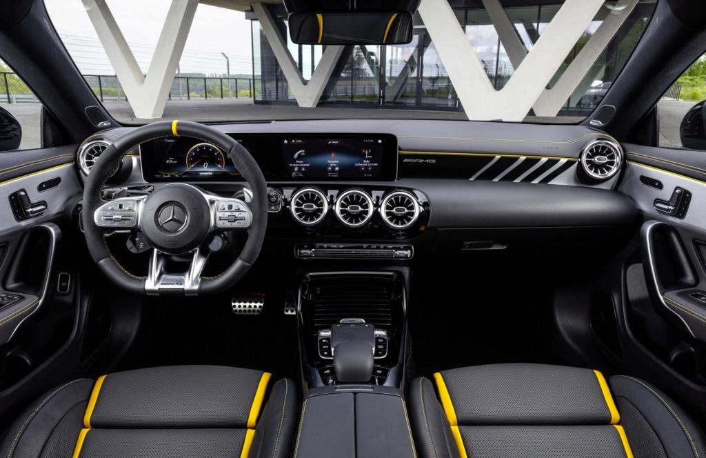 Mercedes-Benz mostra novos Classe A e CLA AMG com motor 2.0 de até 421 cv 19c04411