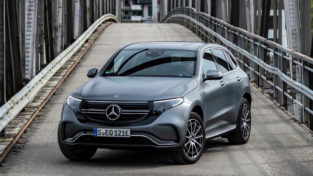 Elétrico Mercedes-Benz EQC é confirmado para 2020 no Brasil 2020-m12