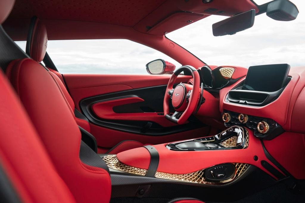 Aston Martin revela novo DBS GT Zagato com 760 cavalos e acabamentos de ouro Aston-15