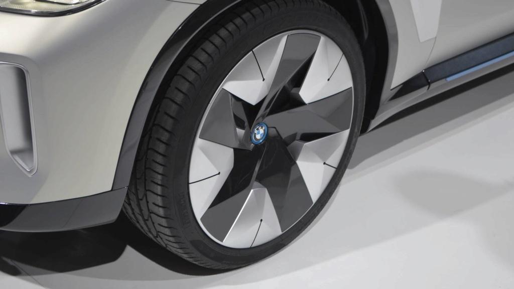 BMW iX3 de produção terá 300 cv de potência e 400 km de autonomia Bmw-co10