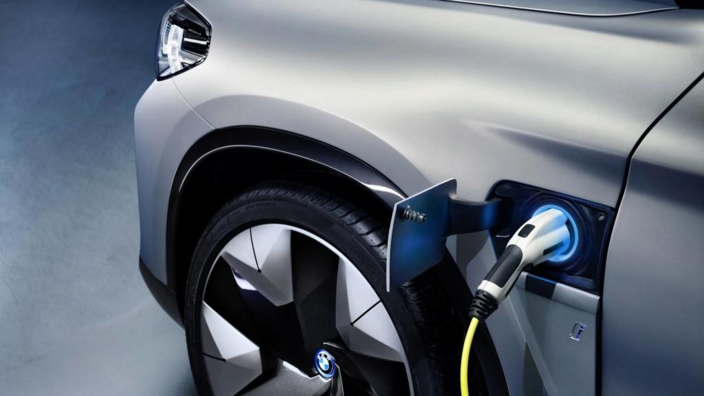 BMW iX3 de produção terá 300 cv de potência e 400 km de autonomia Bmw-ix13