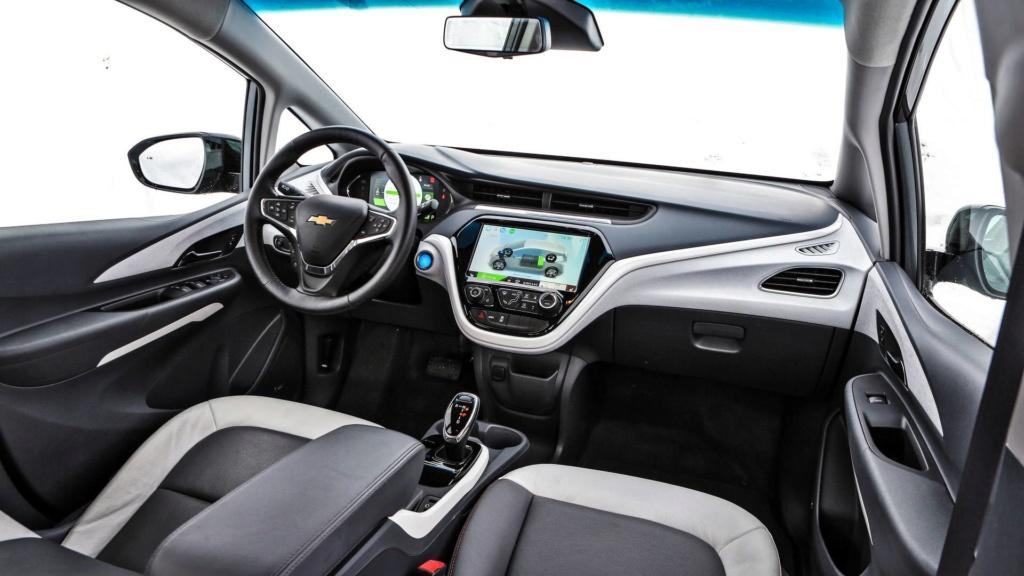 Chevrolet Bolt deverá estrear no Brasil já com a autonomia ampliada Chevro33