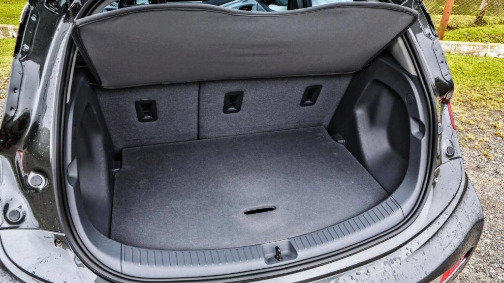 Chevrolet Bolt deverá estrear no Brasil já com a autonomia ampliada Chevro34