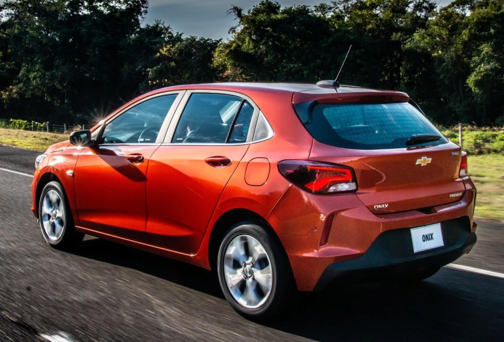 Chevrolet revela dimensões do novo Onix hatch e dados do motor 1.0 sem turbo Chevro44